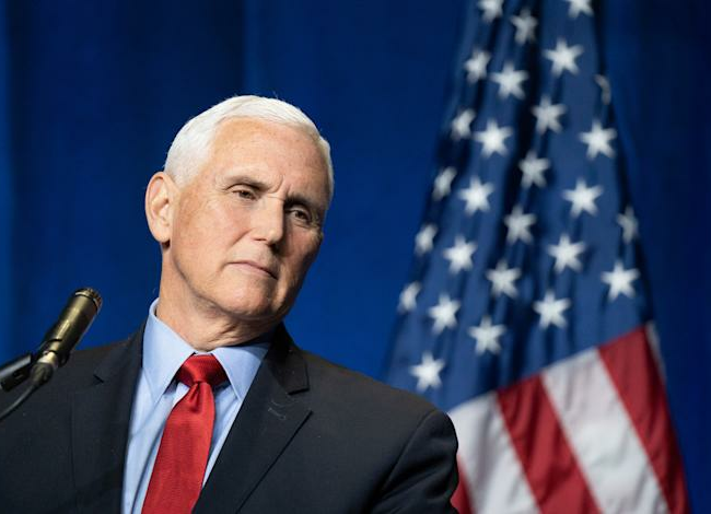 'Traitor!'   Mike Pence heckled at conservative political event
