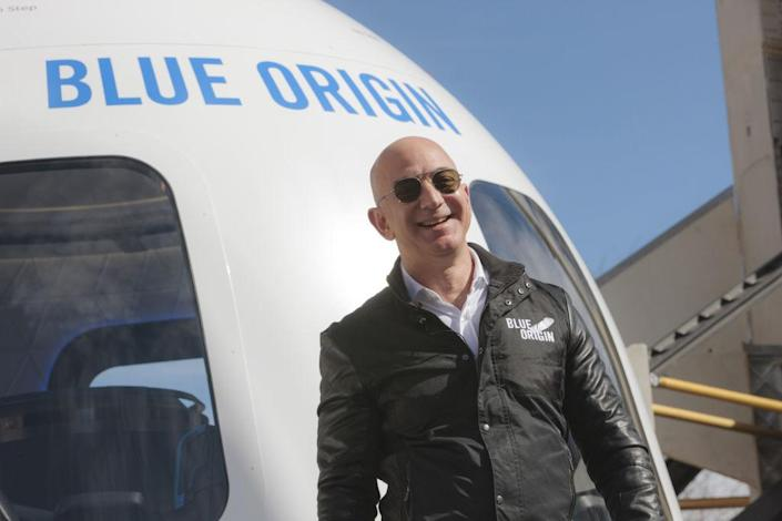 18-year-old joining Blue Origin's first passenger spaceflight