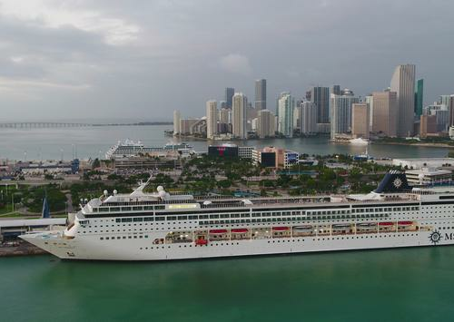 Florida Appeals to Supreme Court Over Cruise Regulations