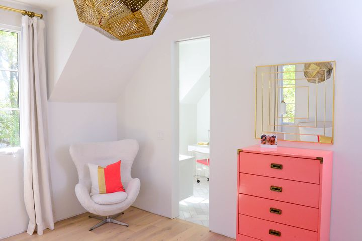 How to bring minimalist designs into your home