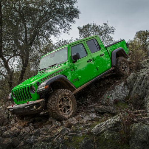 Jeep Gladiator Gains the Wrangler's Gecko Green Paint