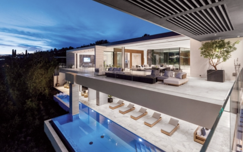 Los Angeles: An L.A. Real Estate First: Houses Accept Buyers' Bitcoin and Display NFT Art
