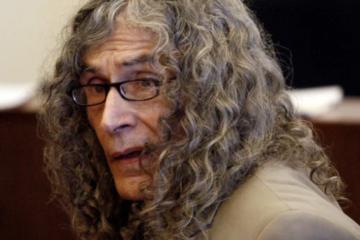 "Rodney Alcala, ""The Dating Game Killer"" Serial Murderer, Dies at 77"