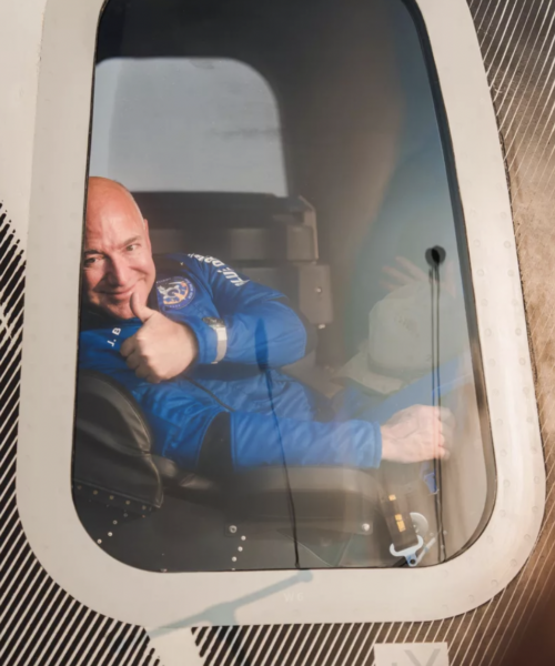 Blue Origin sues NASA over plan to go with SpaceX for Artemis moon mission