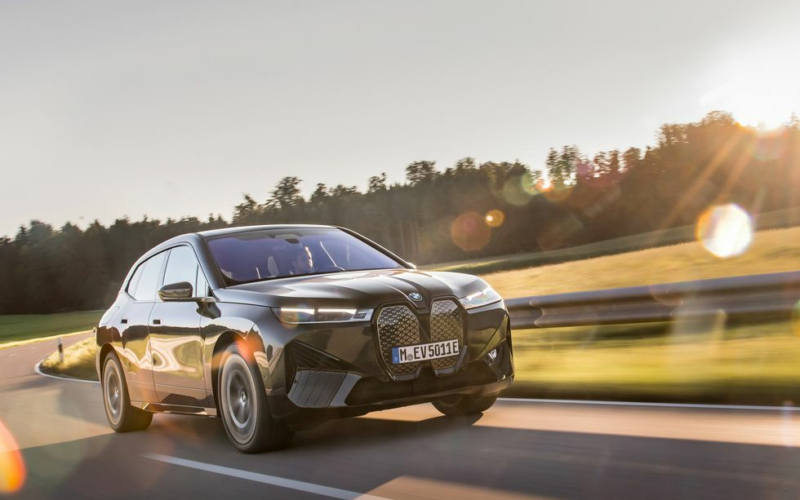 2022 BMW iX xDrive50: Novelty with Substance