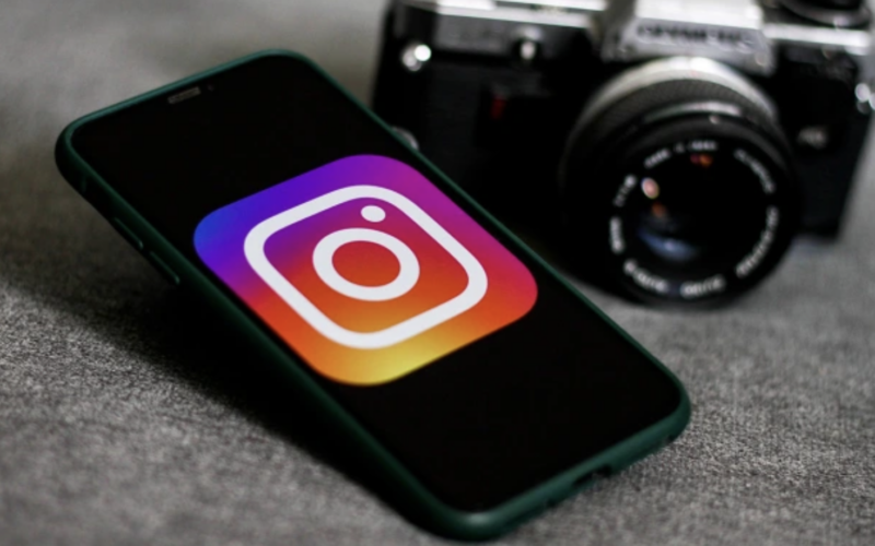 Instagram Beats Photographers' Suit Over Embed Feature