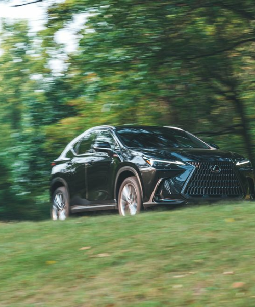 Tested: 2022 Lexus NX350 Goes for the Middle Ground